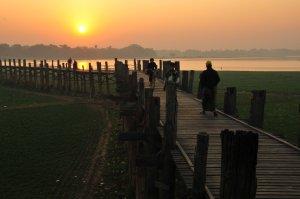 pagi di ubein bridge